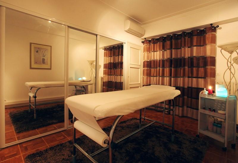 institut elys e massages naturistes et sensuels nice 06000. Black Bedroom Furniture Sets. Home Design Ideas