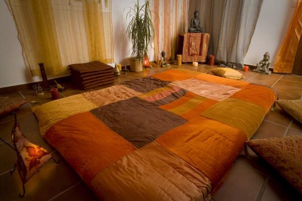 comment se d roule un massage tantrique. Black Bedroom Furniture Sets. Home Design Ideas